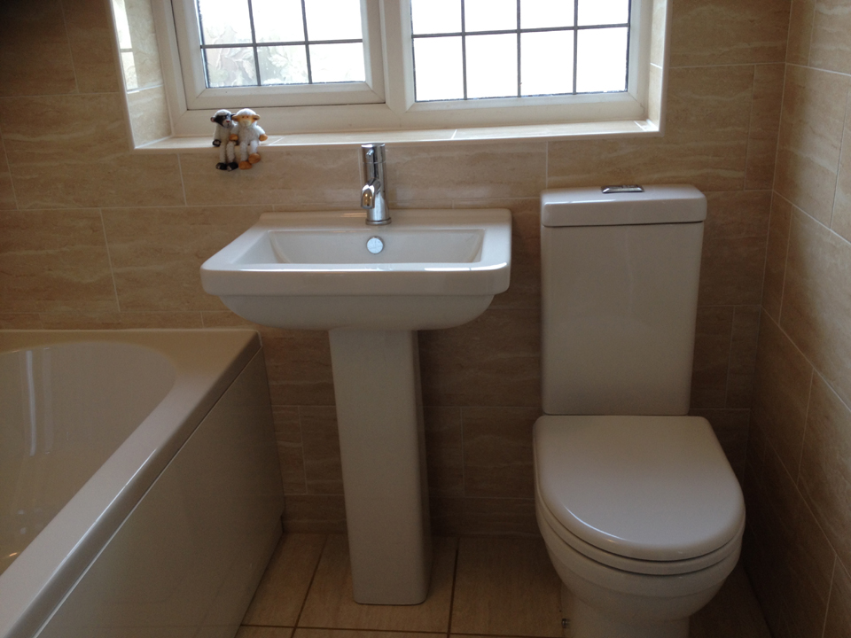 Welcome to Richard Bathrooms - Expert design and installation for your dream bathroom. Call me today on 07870 172857 or 07973 918989 for a FREE quotation!